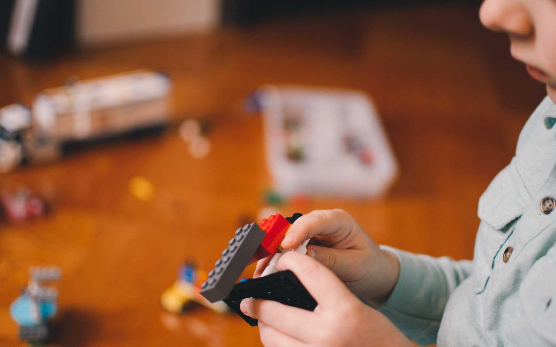 BeActive voor kinderen spelen met speelgoed